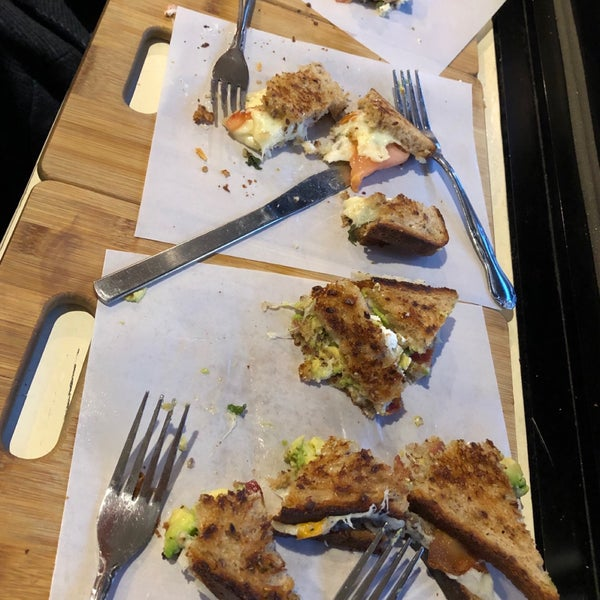 Photo prise au Cheese Grille par Hana S. le12/1/2018