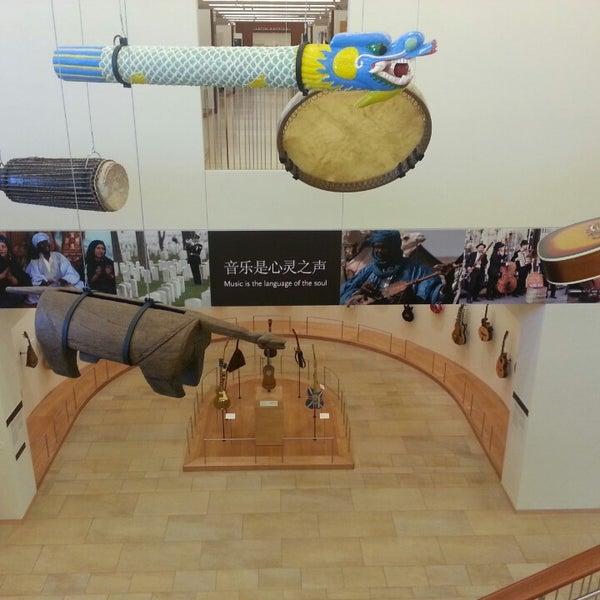 Photo prise au Musical Instrument Museum par Adrienne T. le4/25/2013