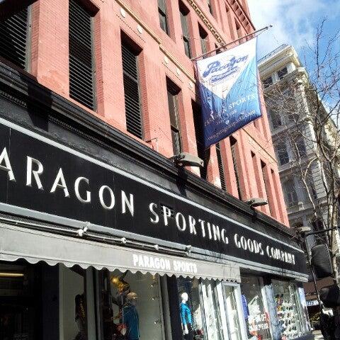 3/22/2013에 Scott J.님이 Paragon Sports에서 찍은 사진