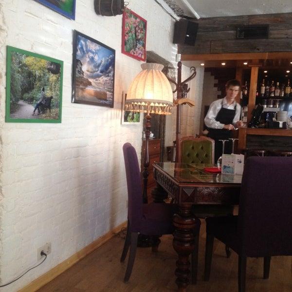 Photo prise au Le Bouchon Café par Pavel L. le9/27/2013