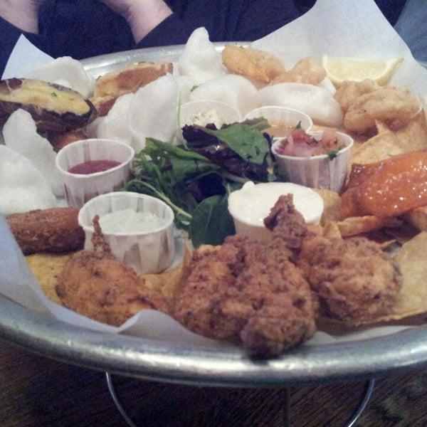 Foto tirada no(a) Big Easy Bar.B.Q & Crabshack por Cagdas H. em 4/27/2013