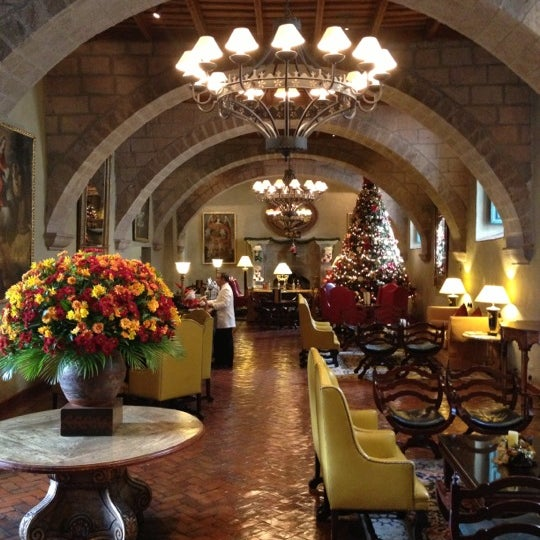 Foto diambil di Belmond Hotel Monasterio oleh Carl K. pada 12/8/2012