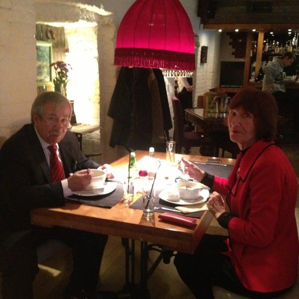 Photo prise au Le Bouchon Café par Natalia V. le10/27/2013