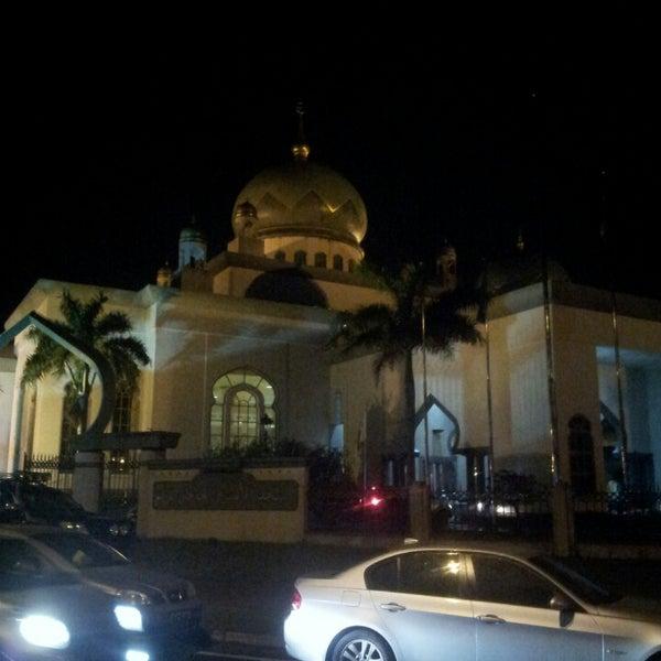 7/13/2013 tarihinde Izwan I.ziyaretçi tarafından Masjid Al-Ameerah Al-Hajjah Maryam, Kg Jerudong'de çekilen fotoğraf