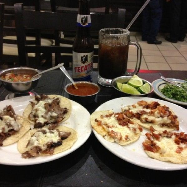 Foto tomada en OV Vaquero Restaurante y Taquería por Guillermo A. B. el 1/26/2013