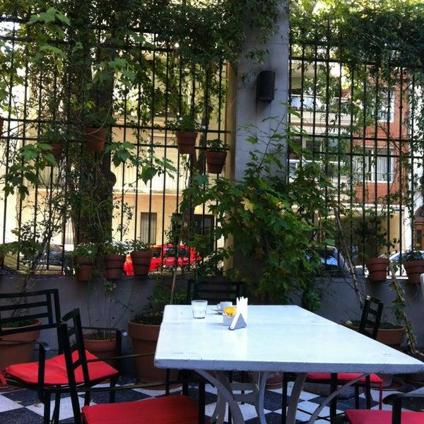 Foto scattata a Museo Evita Restaurant & Bar da Sol B. il 3/24/2013
