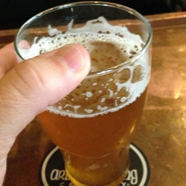 Foto tomada en Arbor Brewing Company por Scott W. el 6/27/2013