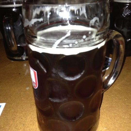 รูปภาพถ่ายที่ Lottie's Pub โดย Gustavo R. เมื่อ 10/1/2012