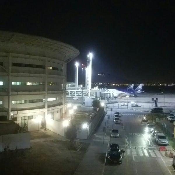 Foto tomada en Aeropuerto Internacional Comodoro Arturo Merino Benítez (SCL) por Gersen A. el 10/2/2013