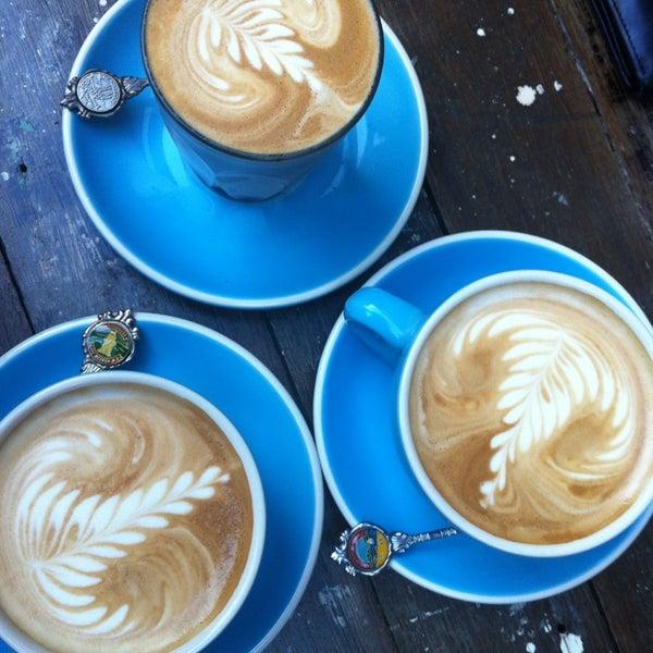 6/3/2013에 Michelle L.님이 Cabrito Coffee Traders에서 찍은 사진