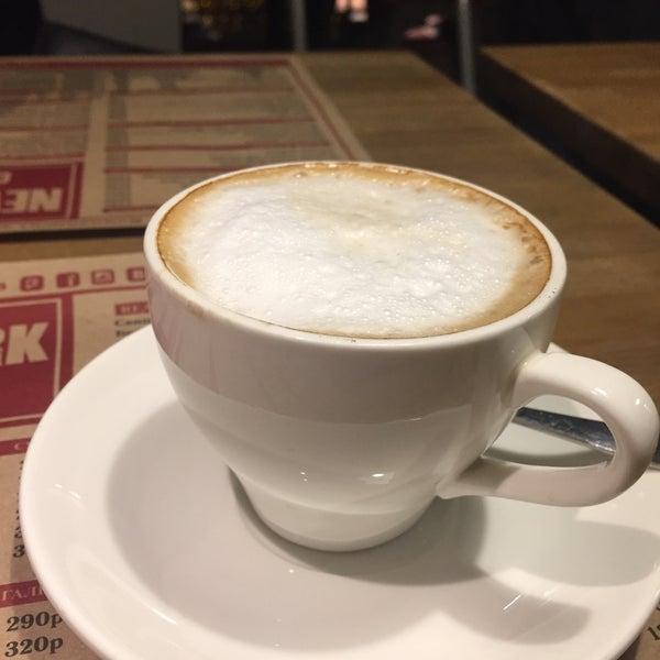 Снимок сделан в New York City Cafe пользователем aline t. 3/10/2017