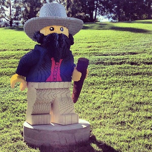 Foto tirada no(a) Legoland California por Matt R. em 3/6/2013