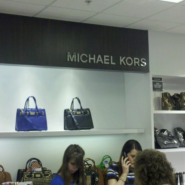 Michael Kors Outlet Boutique In