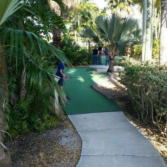 Das Foto wurde bei Palmetto Golf Course von Cary am 5/1/2016 aufgenommen