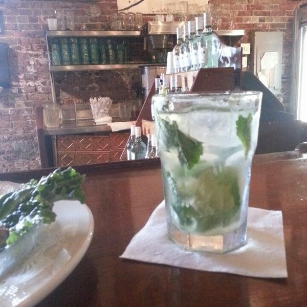 Foto diambil di El Meson de Pepe Restaurant & Bar oleh Josh D. pada 6/29/2013