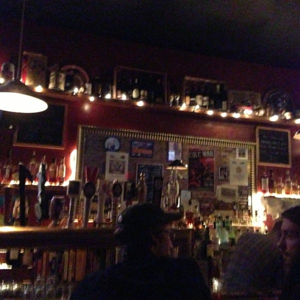 Das Foto wurde bei Fourth Avenue Pub von Jonathan C. am 2/11/2013 aufgenommen