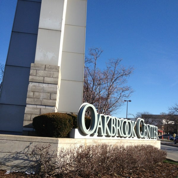 Macys Outlet Chicago: 1 Oakbrook Ctr