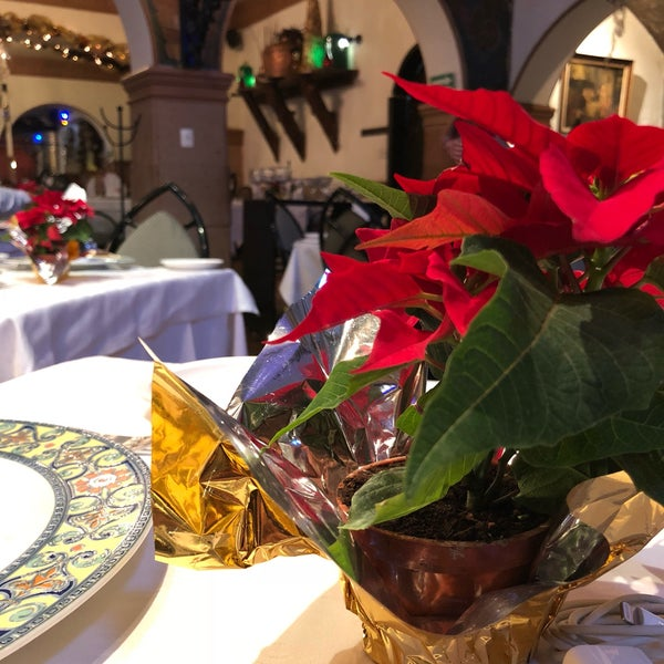 Foto diambil di Restaurante & Bar La Strega oleh Freddy G. pada 11/28/2017