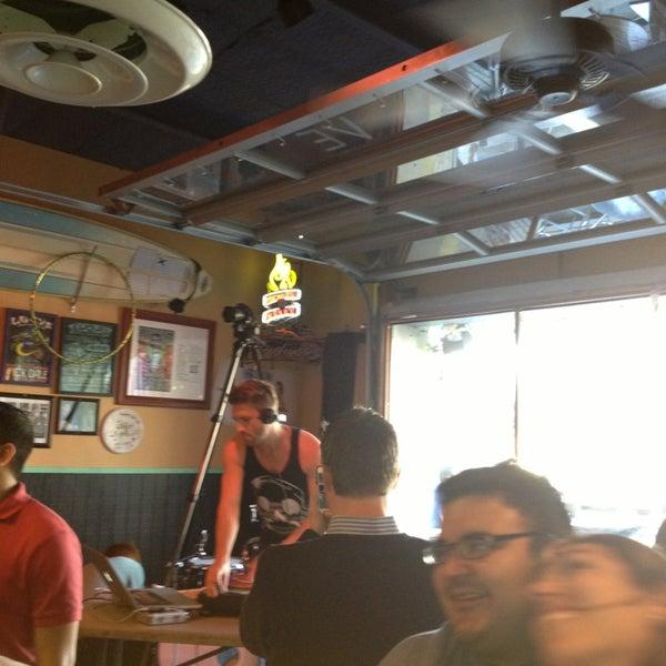Foto diambil di Lucy's Retired Surfers Bar and Restaurant oleh Alison K. pada 3/10/2013