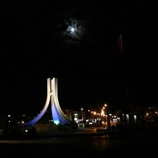 7/19/2013 tarihinde Ajsgabanziyaretçi tarafından Albayrak Meydanı'de çekilen fotoğraf