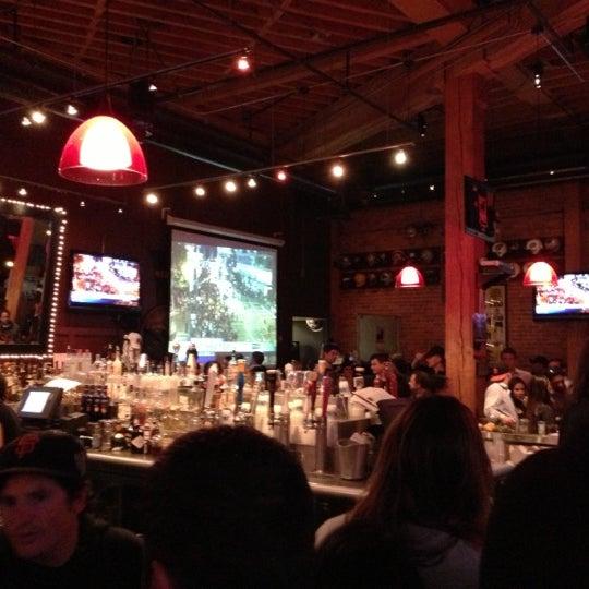 Photo prise au Pete's Tavern par Craig V. le10/26/2012