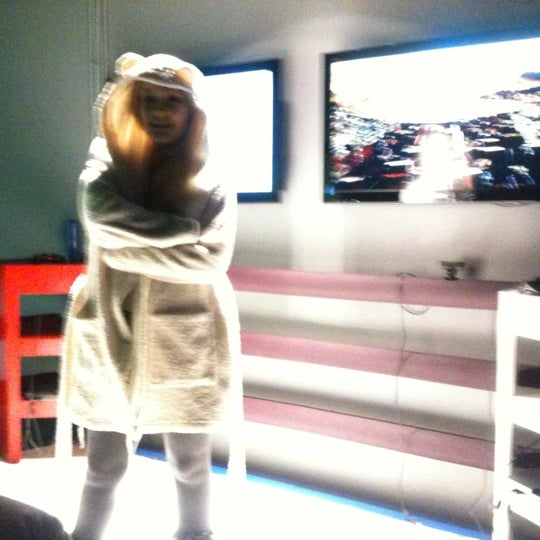 Foto diambil di The Game for Big Kids oleh Nora J. pada 11/24/2012