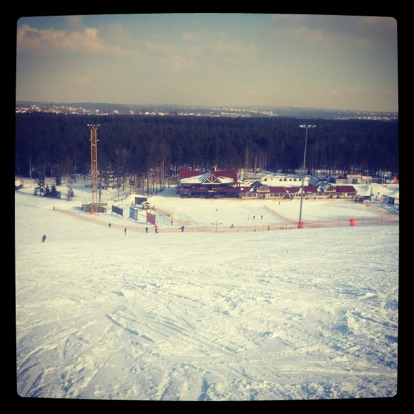 3/12/2013 tarihinde Queen E.ziyaretçi tarafından Охта Парк'de çekilen fotoğraf