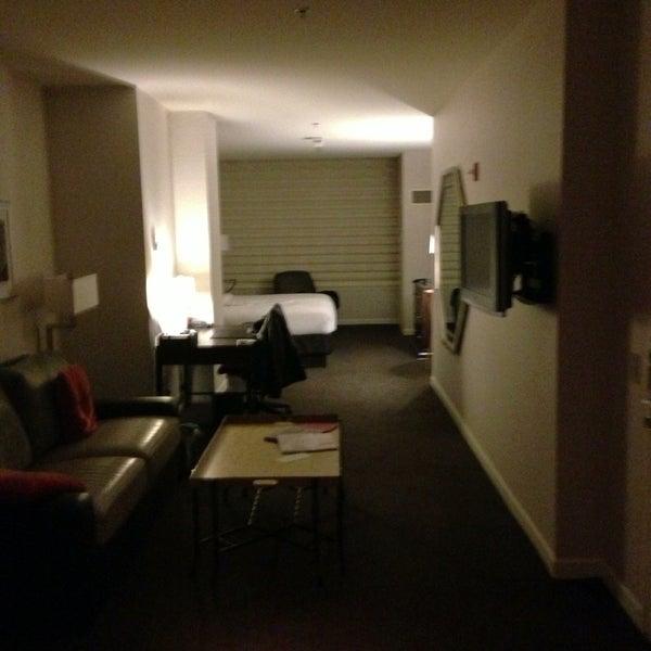 5/4/2013 tarihinde Randy E.ziyaretçi tarafından MileNorth, A Chicago Hotel'de çekilen fotoğraf