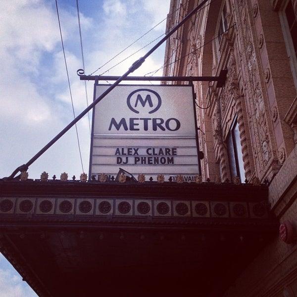 Foto diambil di Metro oleh Kola B. pada 12/3/2012