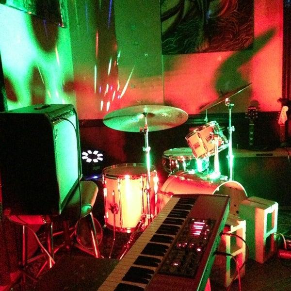 12/28/2012 tarihinde Ryan G.ziyaretçi tarafından aliveOne'de çekilen fotoğraf
