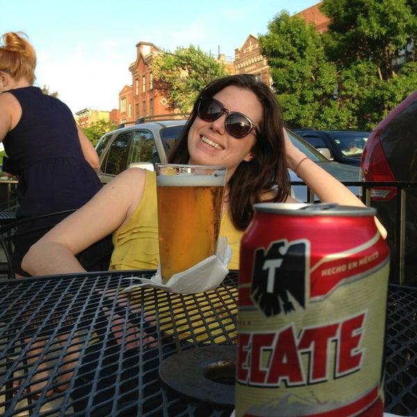 Foto diambil di Easy Bar oleh Ryan G. pada 5/21/2013