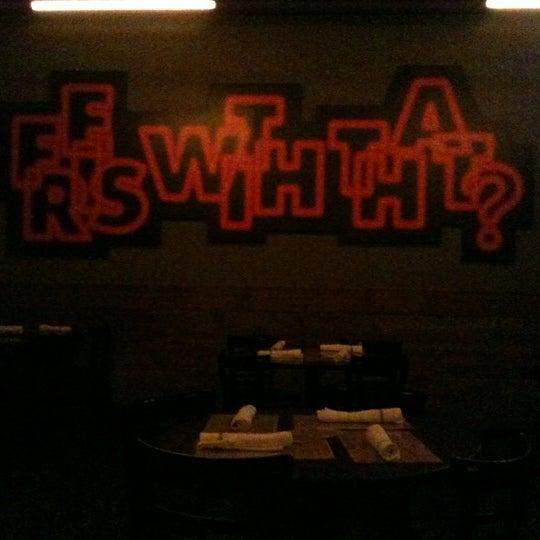 Foto tirada no(a) DMK Burger Bar por Lizelle M. em 10/1/2012