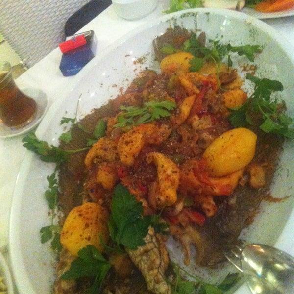 Foto diambil di Yelken Restaurant oleh Simten D. pada 3/10/2013