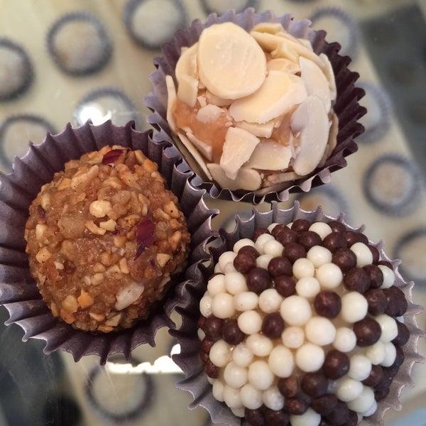 รูปภาพถ่ายที่ Brigadeiro Bakery โดย Helen L. เมื่อ 5/31/2015