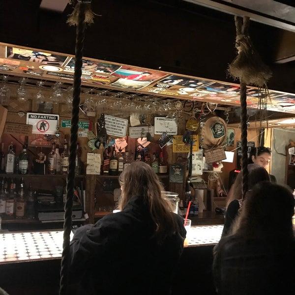 Photo prise au Mehanata Bulgarian Bar par Katie B. le10/20/2019