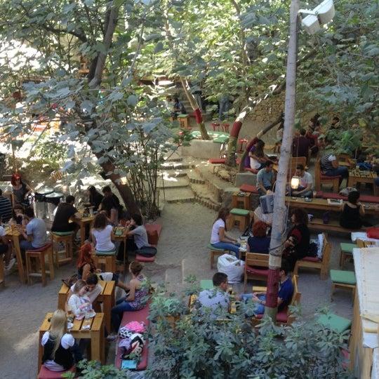 10/6/2012 tarihinde Konstantinos F.ziyaretçi tarafından six d.o.g.s'de çekilen fotoğraf