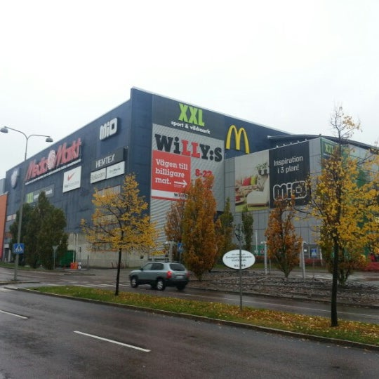 Willys Grocery Store In Kungens Kurva