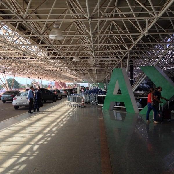 Foto tomada en Aeropuerto Internacional de Brasilia Presidente Juscelino Kubitschek (BSB) por Eduardo el 11/20/2013