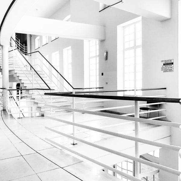 รูปภาพถ่ายที่ Design Museum Gent โดย Rouven K. เมื่อ 7/9/2019