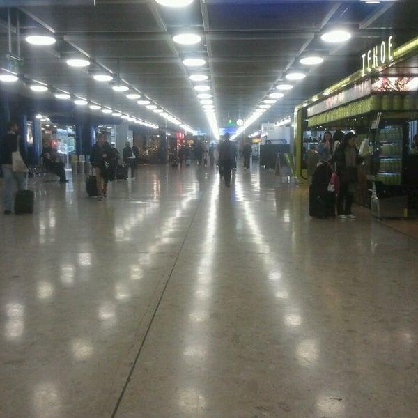 4/22/2013にEcemがジュネーヴ国際空港 (GVA)で撮った写真