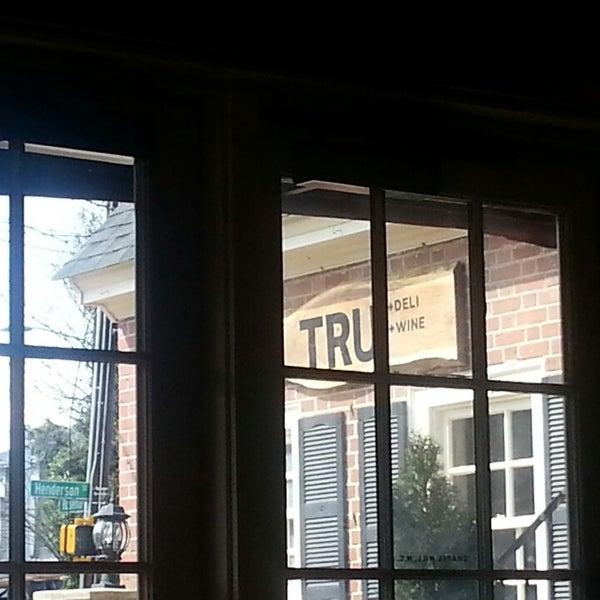 3/3/2013にCodyがTRU Deli & Wineで撮った写真