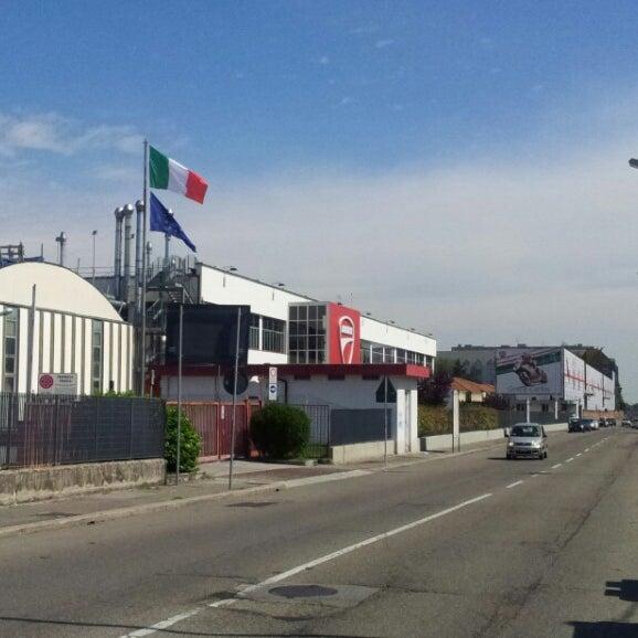 6/2/2013 tarihinde Giuseppe R.ziyaretçi tarafından Ducati Motor Factory & Museum'de çekilen fotoğraf