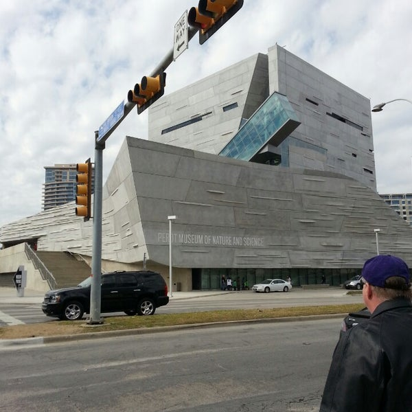 Foto tirada no(a) Perot Museum of Nature and Science por Randy em 2/23/2013