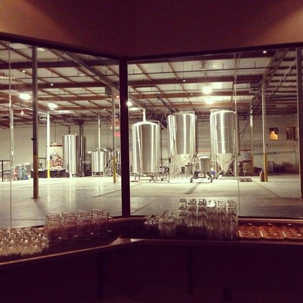1/20/2013にMichael B.がFour Peaks Tasting Roomで撮った写真