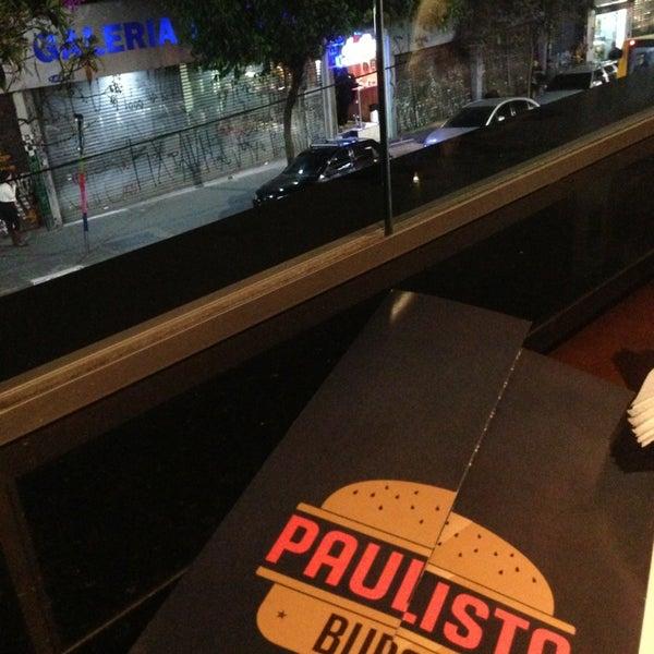 Foto diambil di Paulista Burger oleh Marcelo pada 7/14/2013