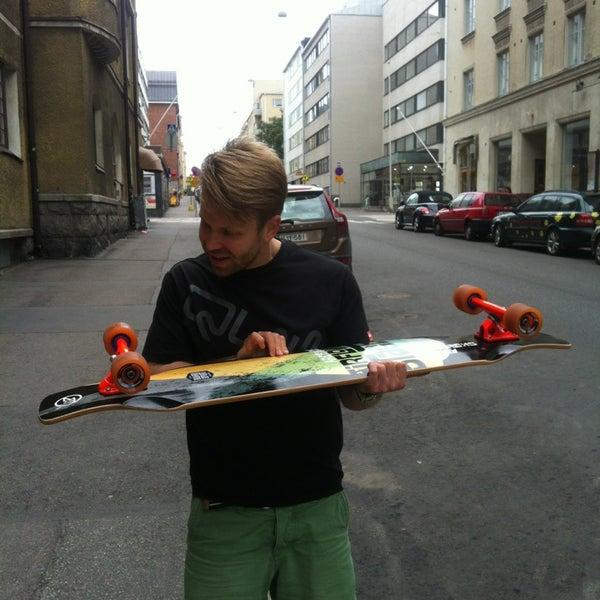 รูปภาพถ่ายที่ Boardsport Finland โดย Henri . เมื่อ 7/31/2013