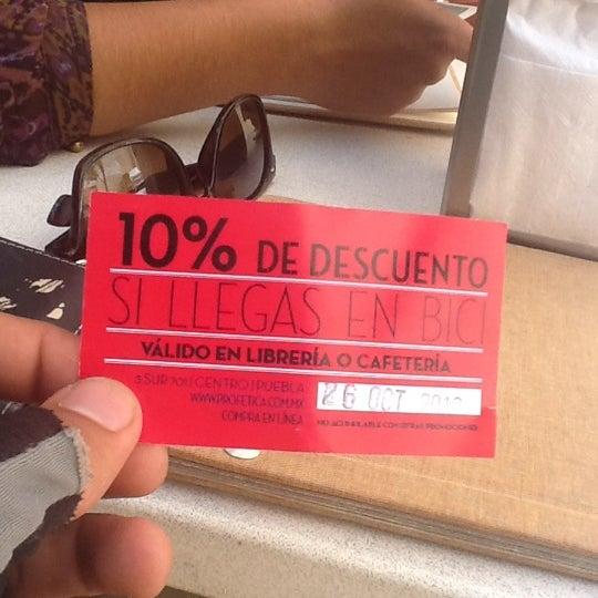 10/26/2012에 Armando A.님이 Profética - Casa de la Lectura에서 찍은 사진