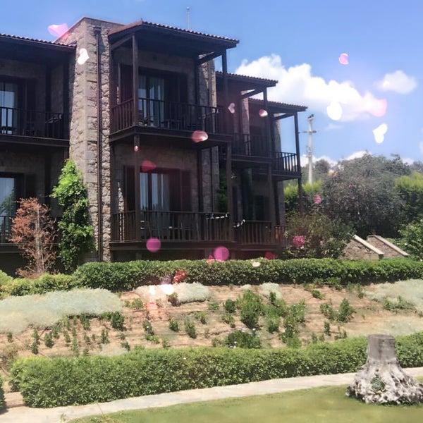 รูปภาพถ่ายที่ Assos Ida Costa Hotel โดย Gülşen E. เมื่อ 7/17/2018