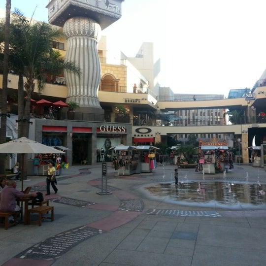 รูปภาพถ่ายที่ Hollywood & Highland Center โดย Burak G. เมื่อ 10/29/2012