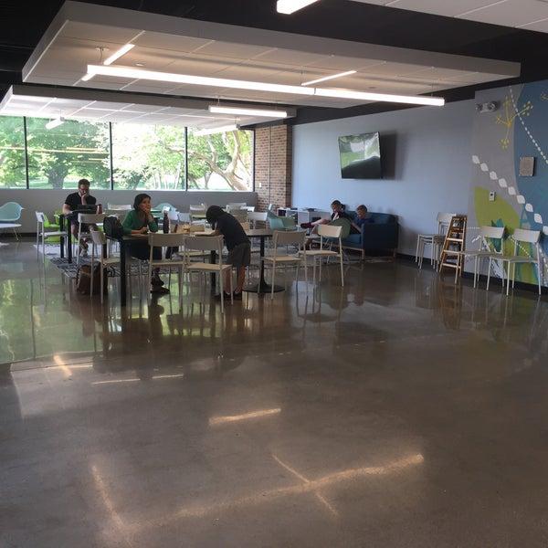 Foto tirada no(a) Accelerando Coffee House por Josh D. em 5/23/2018